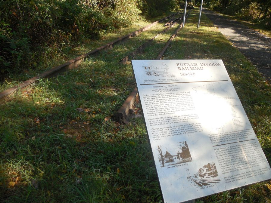 Historic trailway sign