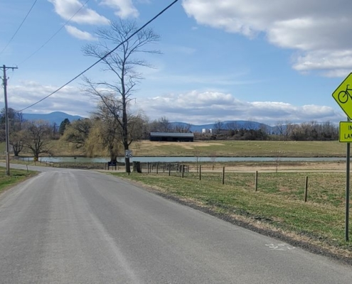 Quiet roads on the Empire State Trail south of Hudson